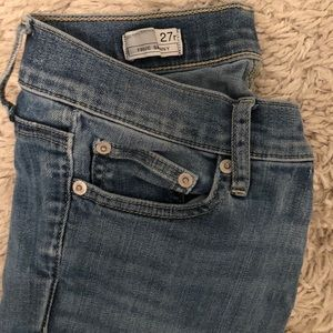 Gap light wash skinny jeans